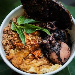 Nasi Jamblang Dan Cumi Hitam Blekutak Dapur Buluk Kayu Putih Makanan Delivery Menu Grabfood Id
