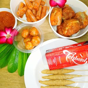 Pentol Telur Gulung Ndower Tlogosari Kulon Makanan Delivery Menu Grabfood Id